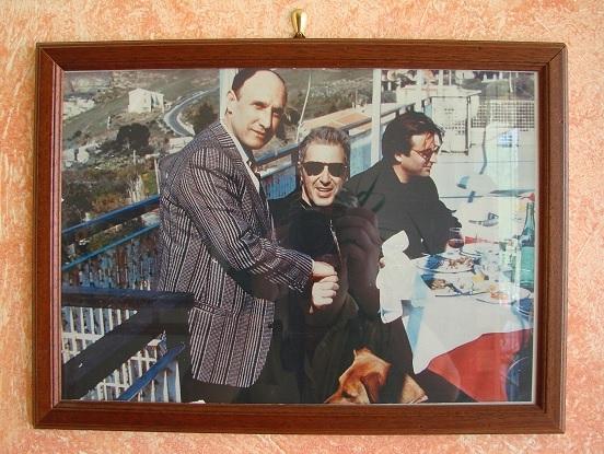 Zdjęcie w holu hotelu Belvedere upamiętniające wizytę Ala Pacino