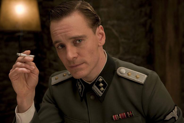 """Jako oficer brytyjski w """"Bękartach wojny"""" Quentina Tarantino"""