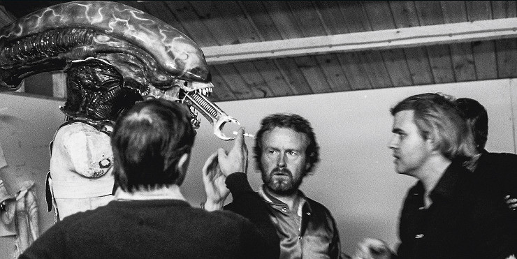 hr-giger-alien-on-set-04
