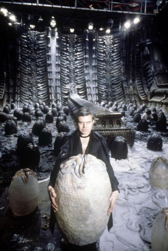 hr-giger-alien-on-set-07