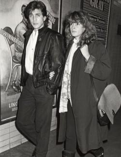 Julia-Roberts-et-son-frere-Eric-en-1986_exact780x1040_p