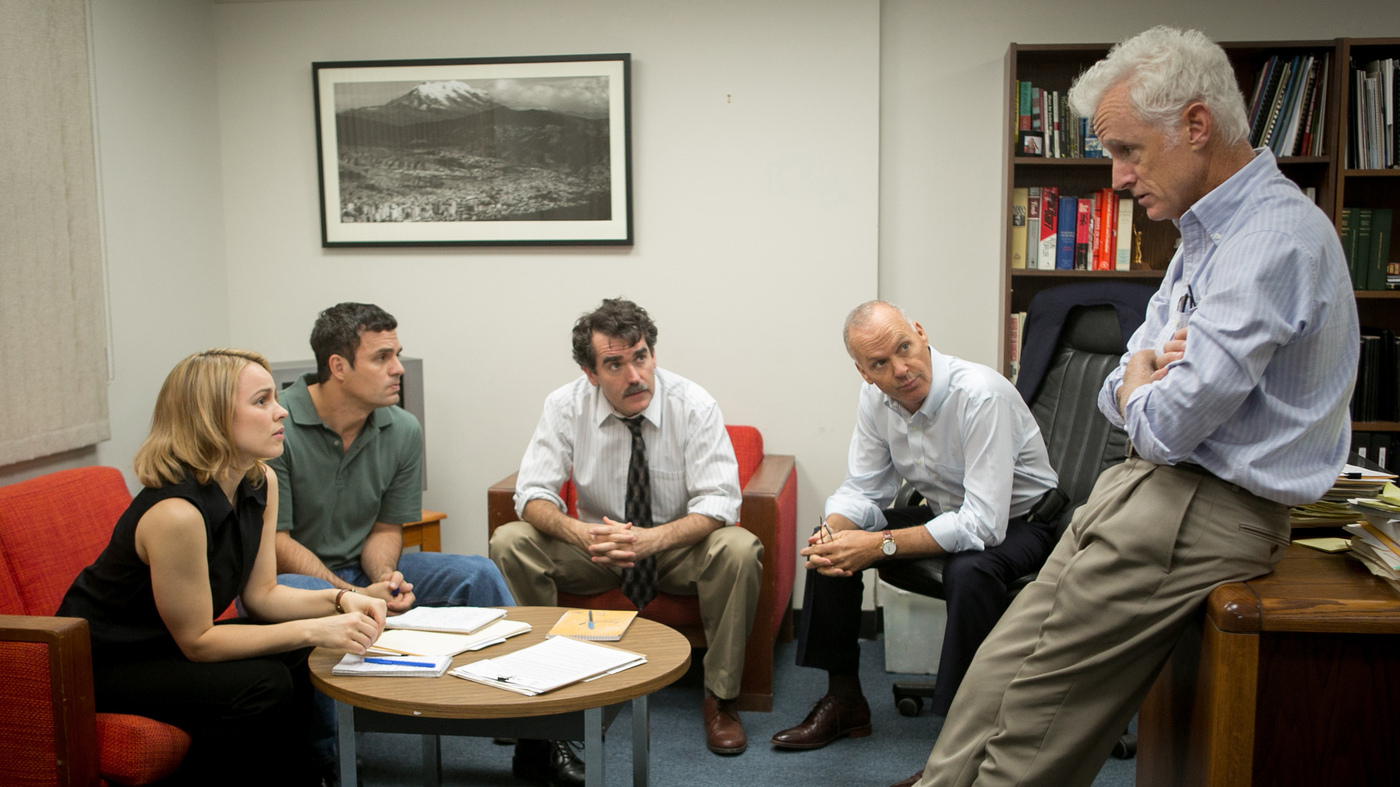 Rachel McAdams, Mark Ruffalo, Brian d'Arcy James, Michael Keaton and John Slattery play Boston Globe journalists in the film, Spotlight.