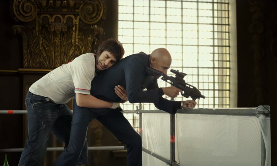sacha-baron-cohen-the-brothers-grimsby-trailer-00