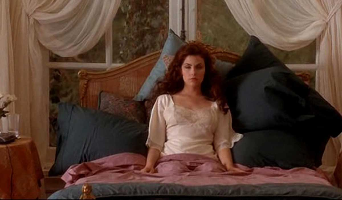 boxing helena plot - 800×421