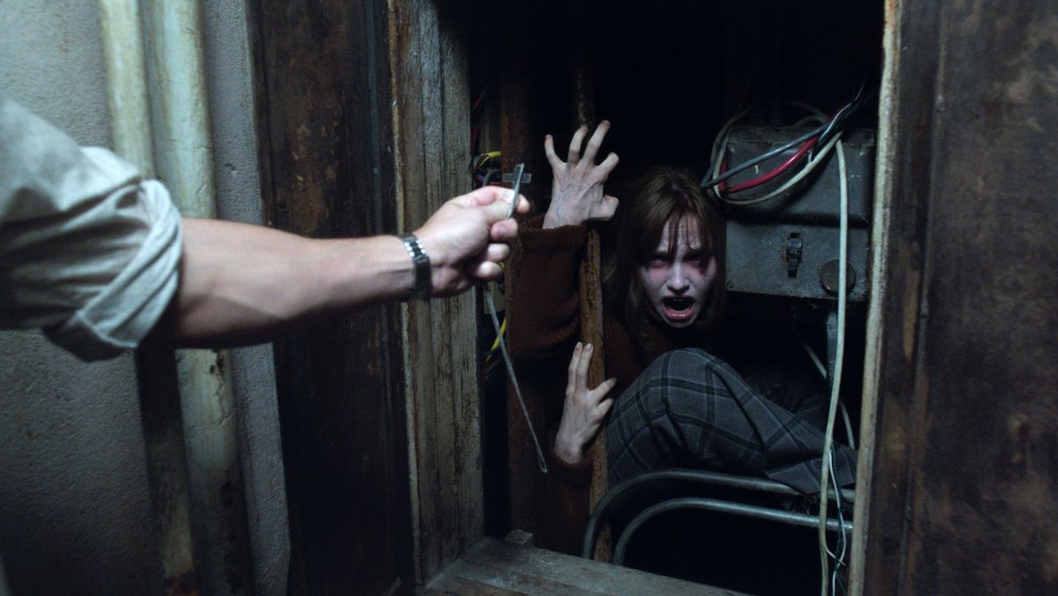 The-Conjuring-2-33