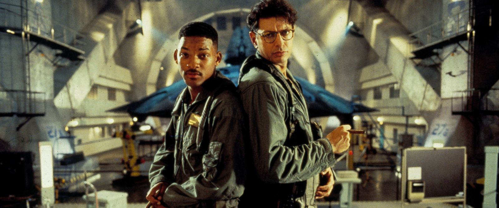 rex_independence_day_film_still_jc_150623_12x5_1600