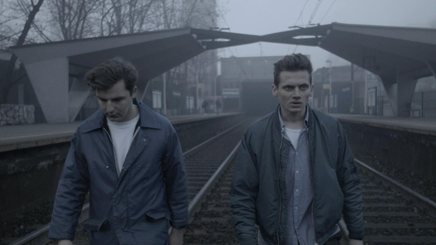 """""""Wszystkie nieprzespane noce"""", reż. Michał Marczak - fabularyzowany dokument o młodych ludziach. Pokazywany na festiwalu w Sundance zdobył bardzo dobre recenzje."""