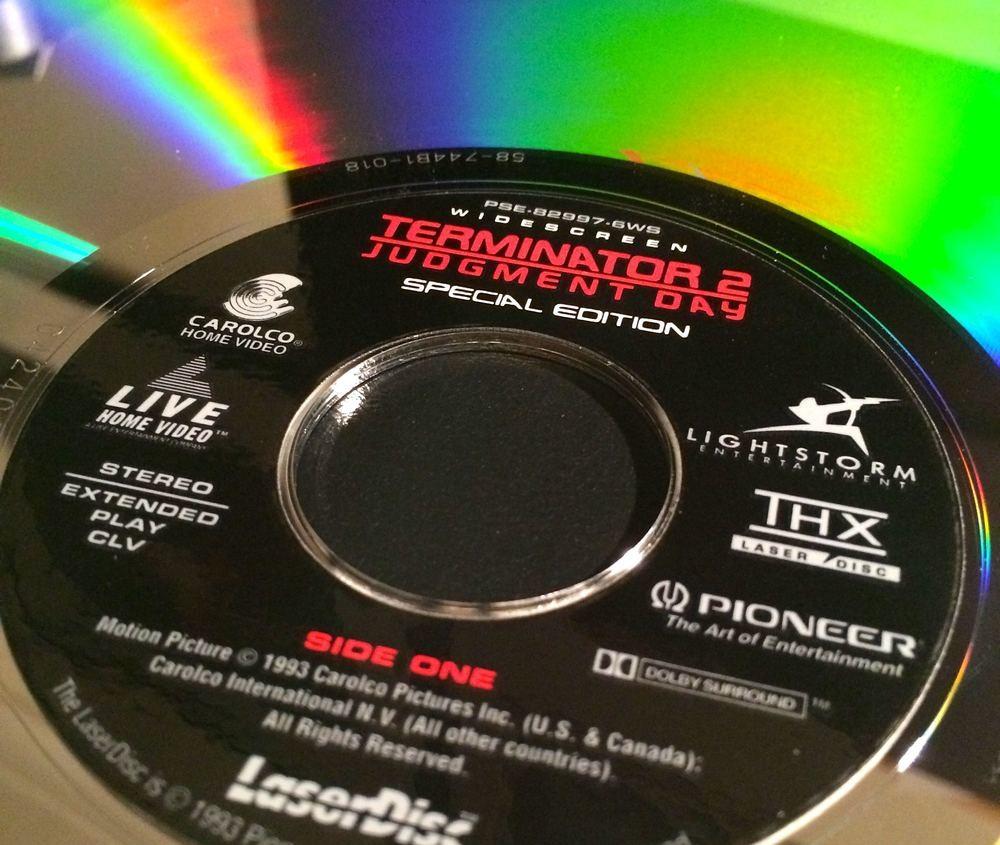 """Wydanie filmu """"Terminator 2 - Dzień sądu"""" na dyskach Laserdisc"""