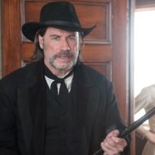 Travolta i Hawke w dolinie przemocy