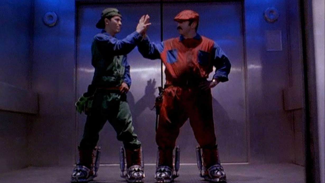 super-mario-bros-john-leguizamo-bob-hoskins1