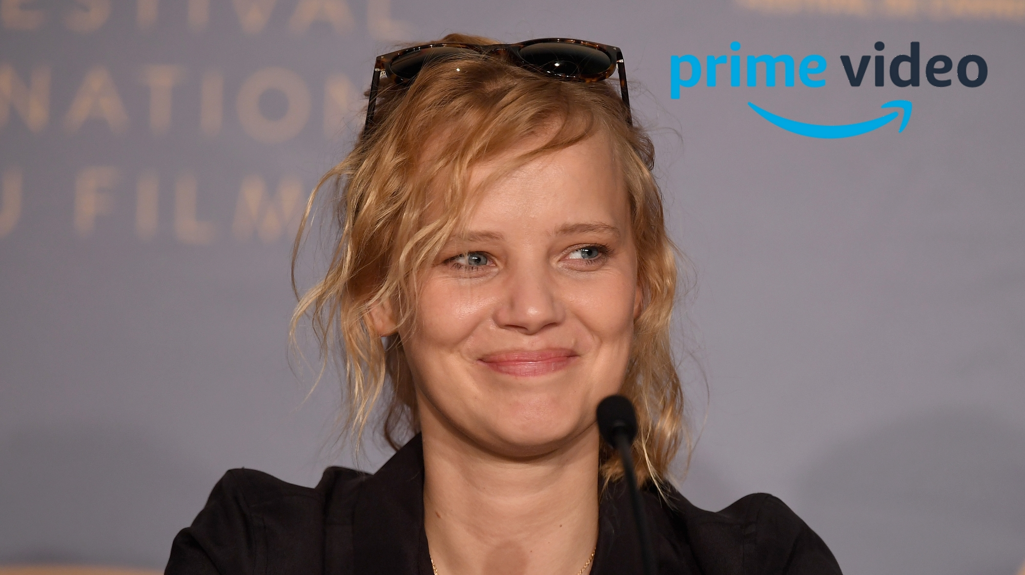Joanna Kulig Amazon
